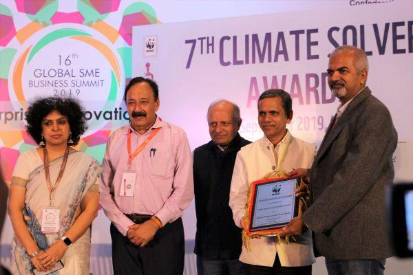 Altigreen Propulsion Labs receiving the award from Sh Ram Mohan Mishra_Addl Secy & Development Commissioner_Ministry of MSME_GOI
